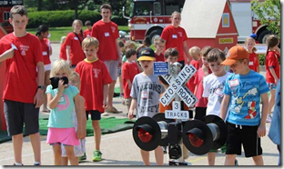 children learning about railroad safety